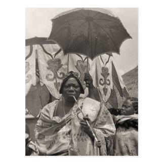 Vintage África, jefe, criado y sombrilla Tarjetas Postales