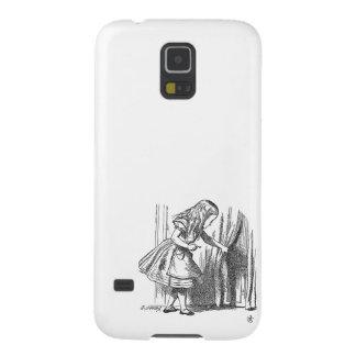 Vintage Alice in Wonderland looking for the door Galaxy S5 Case