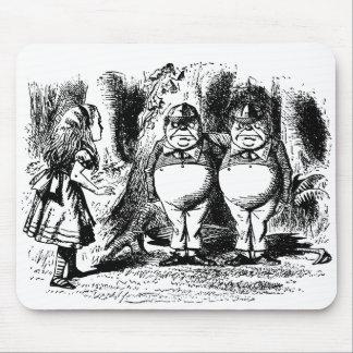 Vintage Alice in Wonderland, Tweedledum Tweedledee Mousepad