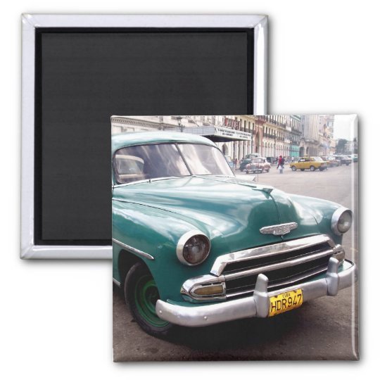 Vintage Auto in Cuba Magnet