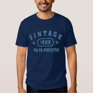 Vintage azul del texto envejecido a la camiseta de playeras