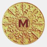 Vintage barroco del monograma M del oro que casa Etiqueta Redonda