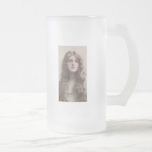 Vintage Beauty 16 Oz Frosted Glass Beer Mug
