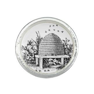 Vintage Beehive Fashion Ring