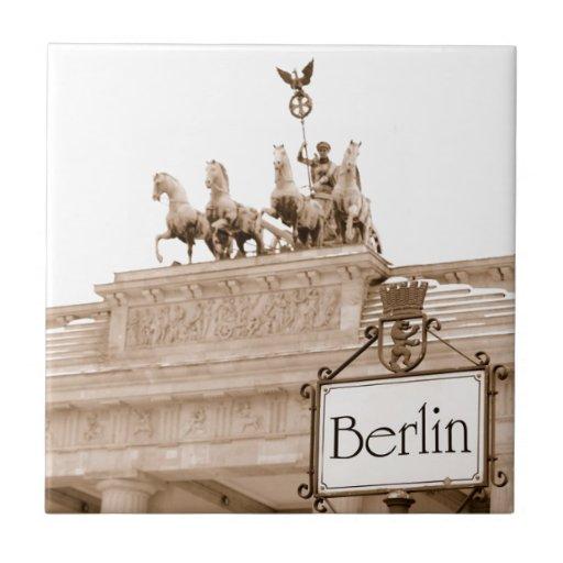 Vintage Berlin design Small Square Tile