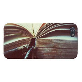 vintage book open iphone 5 savvy case