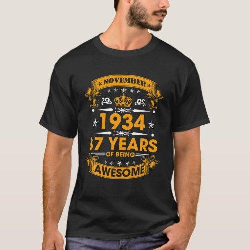 Vintage Born November 1934 87Th Birthday 87 Years T_Shirt
