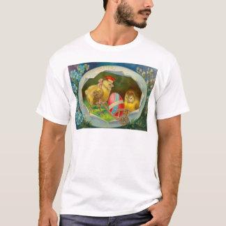 Vintage Chicks With Easter Egg Easter Card T-Shirt