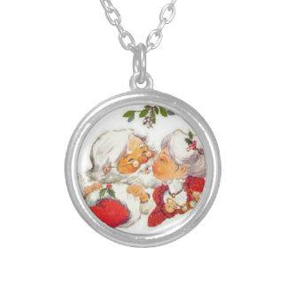 Vintage Christmas Santa Kissing Mrs Claus Round Pendant Necklace