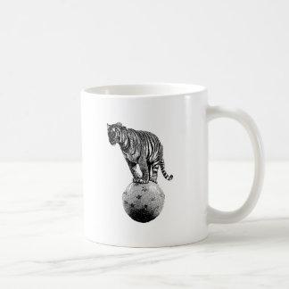 Vintage Circus Tiger Gifts Coffee Mug