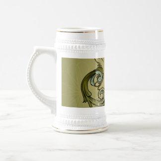 Vintage, clef with damasks 18 oz beer stein