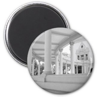 Vintage Curved Colonnade 2 Inch Round Magnet