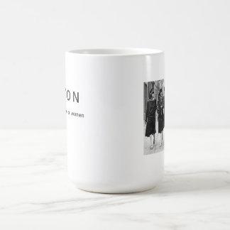 Vintage de AVON que mira la taza de café