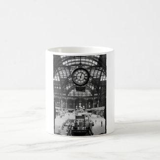 Vintage de la diapositiva de linterna mágica de taza básica blanca