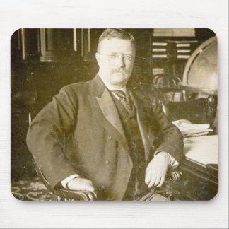 Vintage de Teddy Roosevelt de los alces de Bull Tapetes De Raton