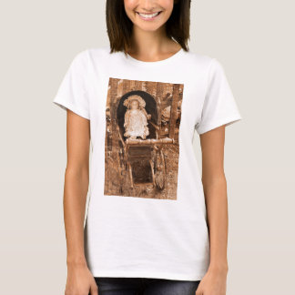 Vintage Doll photographed by Tutti T-Shirt