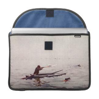 Vintage Duck Hunt Kayak Apple Macbook Pro Sleeve