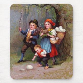 Vintage Easter Egg Hunters Mouse Pad