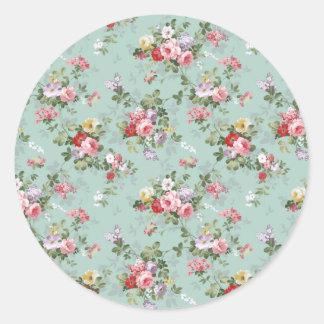 Vintage Elegant Pink Red Roses Pattern Classic Round Sticker