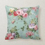 Vintage Elegant Pink Red Roses Pattern Pillow