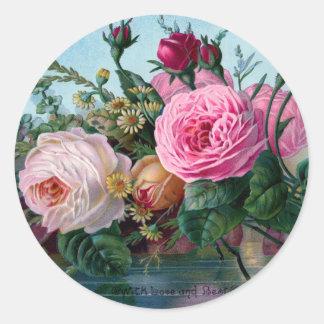 Vintage elegante lamentable rosado y rosas blancos pegatina redonda