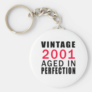 Vintage envejecido en 2001 en la perfección llavero redondo tipo pin