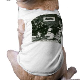 Vintage Family Christmas - Stereoview Doggie Tshirt
