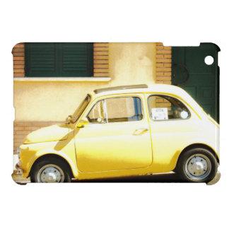 Vintage Fiat amarillo 500 en Italia