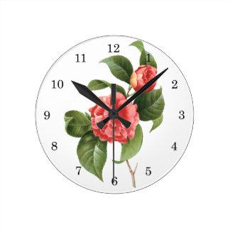 Vintage floral, flores rosadas de la camelia por reloj redondo mediano