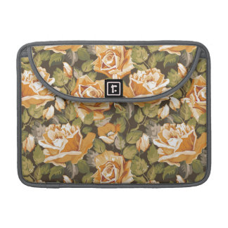 Vintage Floral pattern of yellow roses MacBook Pro Sleeve