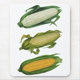 Vintage Food Healthy Vegetables, Fresh Corn on Cob Mouse Pad