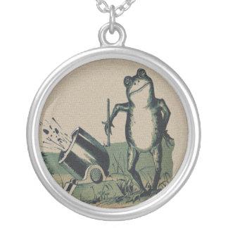 Vintage Frog Round Pendant Necklace