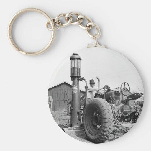 Vintage Gas Pump on the Farm, 1940s Basic Round Button Keychain