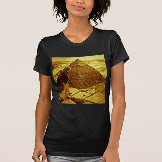 Vintage Golf at the Pyramids Tshirts