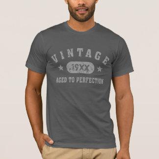 Vintage gris del texto envejecido a la camiseta de