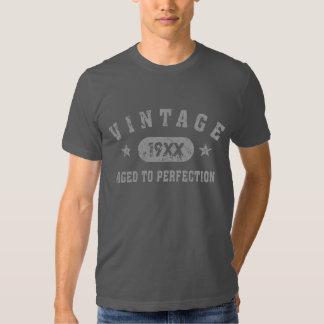 Vintage gris del texto envejecido a la camiseta de remera