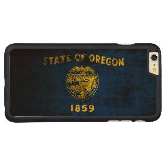 Vintage Grunge State Flag of Oregon Carved® Maple iPhone 6 Plus Slim Case