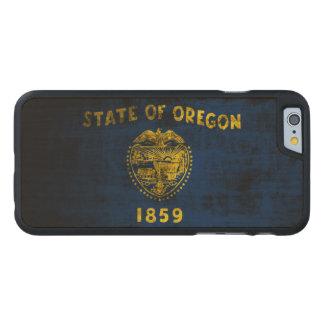 Vintage Grunge State Flag of Oregon Carved® Maple iPhone 6 Case