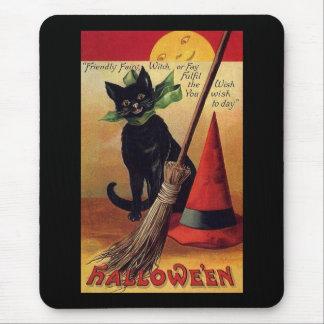 Vintage Halloween con un gato negro una escoba y Tapetes De Ratón