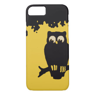 Vintage Halloween, Spooky Owl in Tree with Moon iPhone 8/7 Case