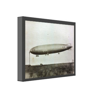 Vintage historic airship, R101  moored to the mast Canvas Prints