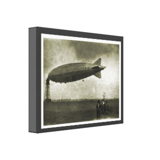 Vintage historic airship, R101  moored to the mast Canvas Print