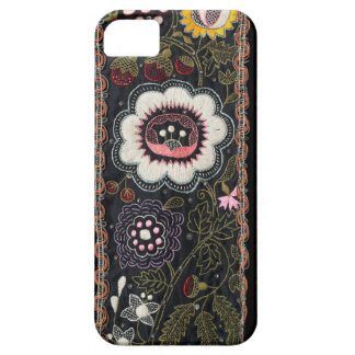 Vintage Hungarian Embroidery on Black iPhone SE/5/5s Case