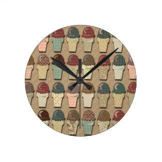 Vintage Ice Cream Pattern Round Clock