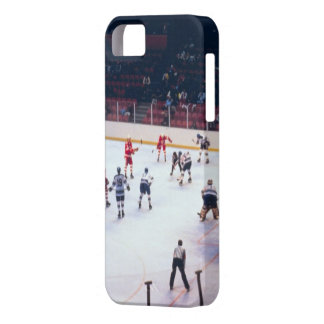 Vintage Ice Hockey Match iPhone 5 Covers