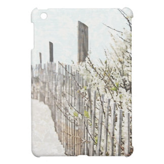 Vintage Inspired Cape Cod White Flowers Sand Fence Case For The iPad Mini