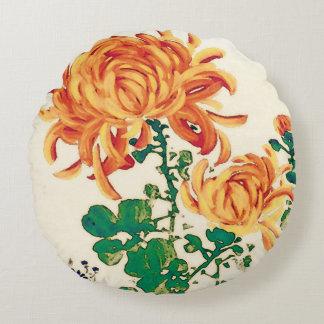 Vintage Japanese Painting of Chrysanthemums Round Pillow