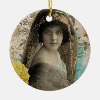 Vintage Keepsake Christmas Ornaments