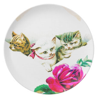 VINTAGE KITTENS IN AN ENVELOPE W. RED ROSE DINNER PLATE
