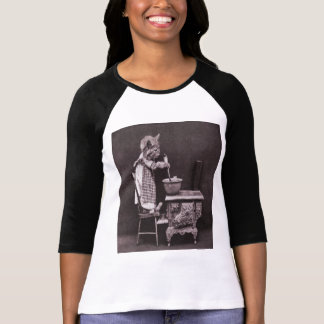 Vintage Kitty Cooking On Stove T-Shirt